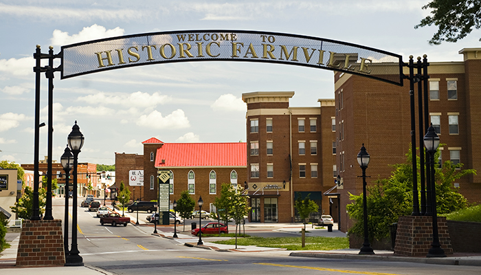 22 Virginia Small Towns You Re Going To Love Virginia S Travel Blog,What Color Matches Green Walls