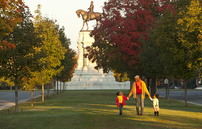 Monument Avenue, Richmond. Photo by John Henley.