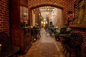 FoodE Courtyard