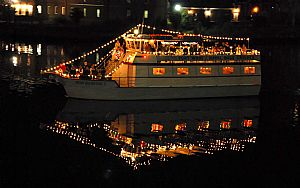 Downtown Hampton Lighted Boat Parade