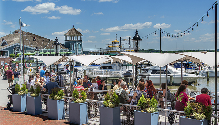 Waterfront Market. Photo by R. Kennedy for Alexandria Convention & Visitors Association.