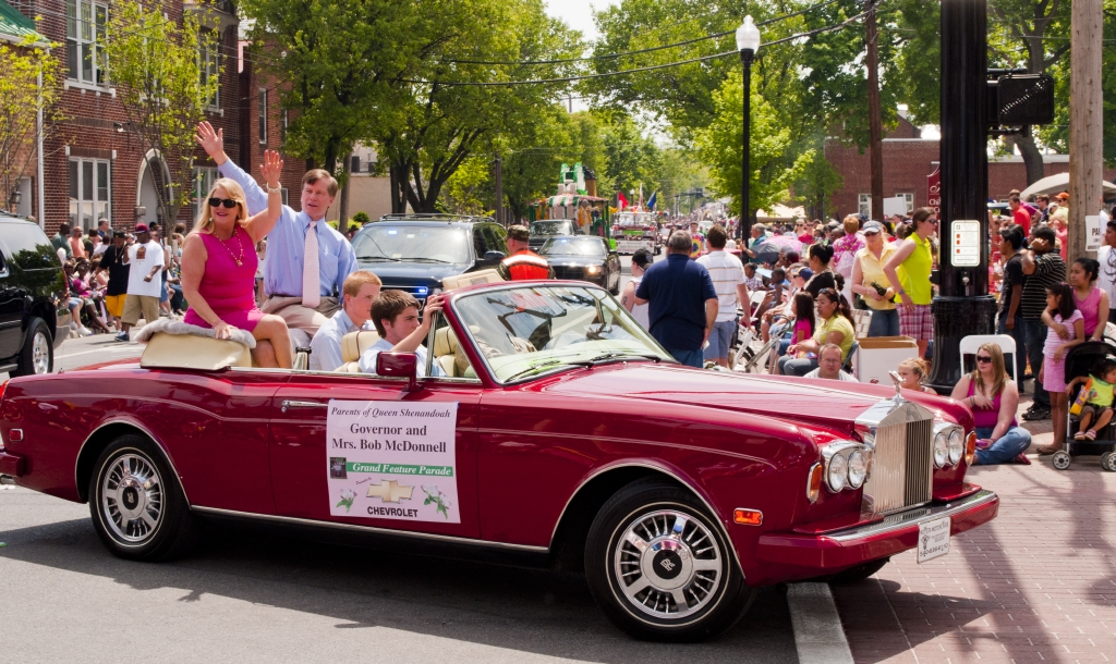 The Shenandoah Apple Blossom Festival is an annual tradition, with beauty queens, well-known entertainers, sports figures and politicians, making appearances and having a great time.