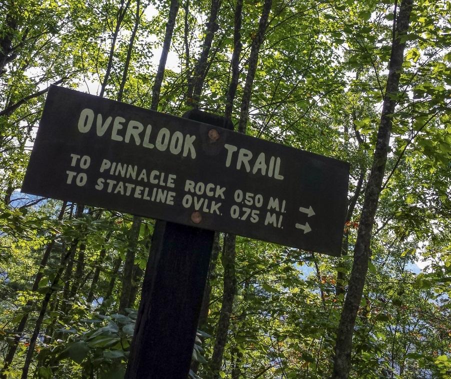 Breaks Interstate Park, Overlook Trail