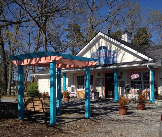 general store at smith mountain lake
