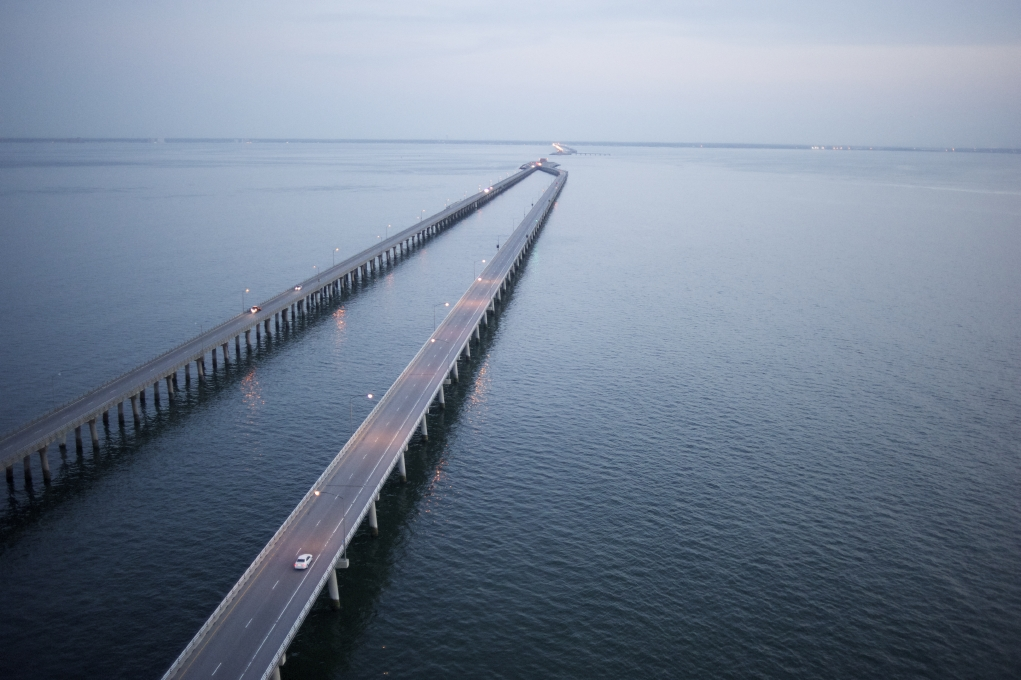 The 17.6 mile Chesapeake Bay Bridge Tunnel connects the Virginia mainland with Virginia's Eastern Shore.