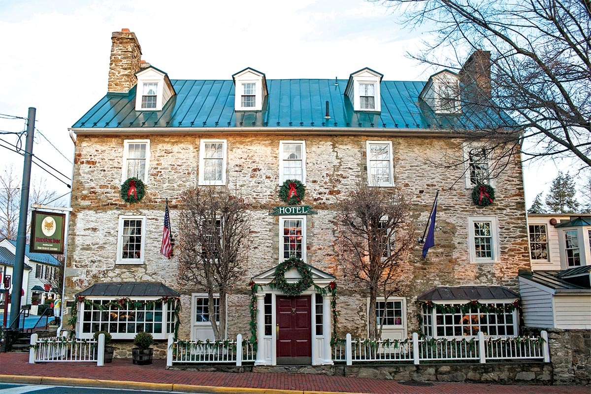 red fox tavern winter holiday decorations