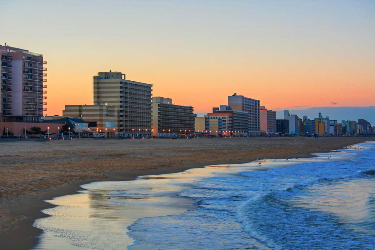 Straddling The Eastern Coast Where Atlantic And Chesapeake Bay Meet Virginia Beach Is Most Por Of S Beaches Drawing Thousands