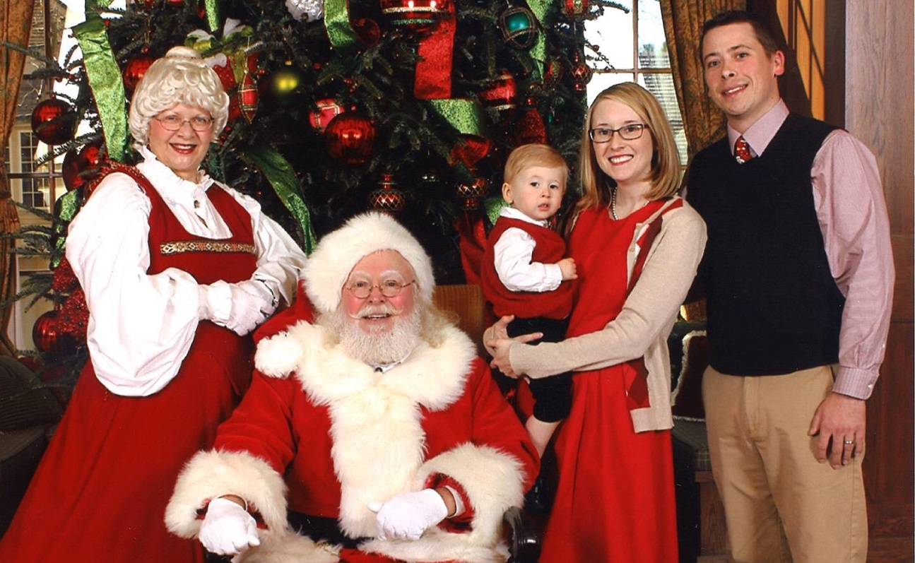 breakfast with santa holiday photo at boars head resort in charlottesville