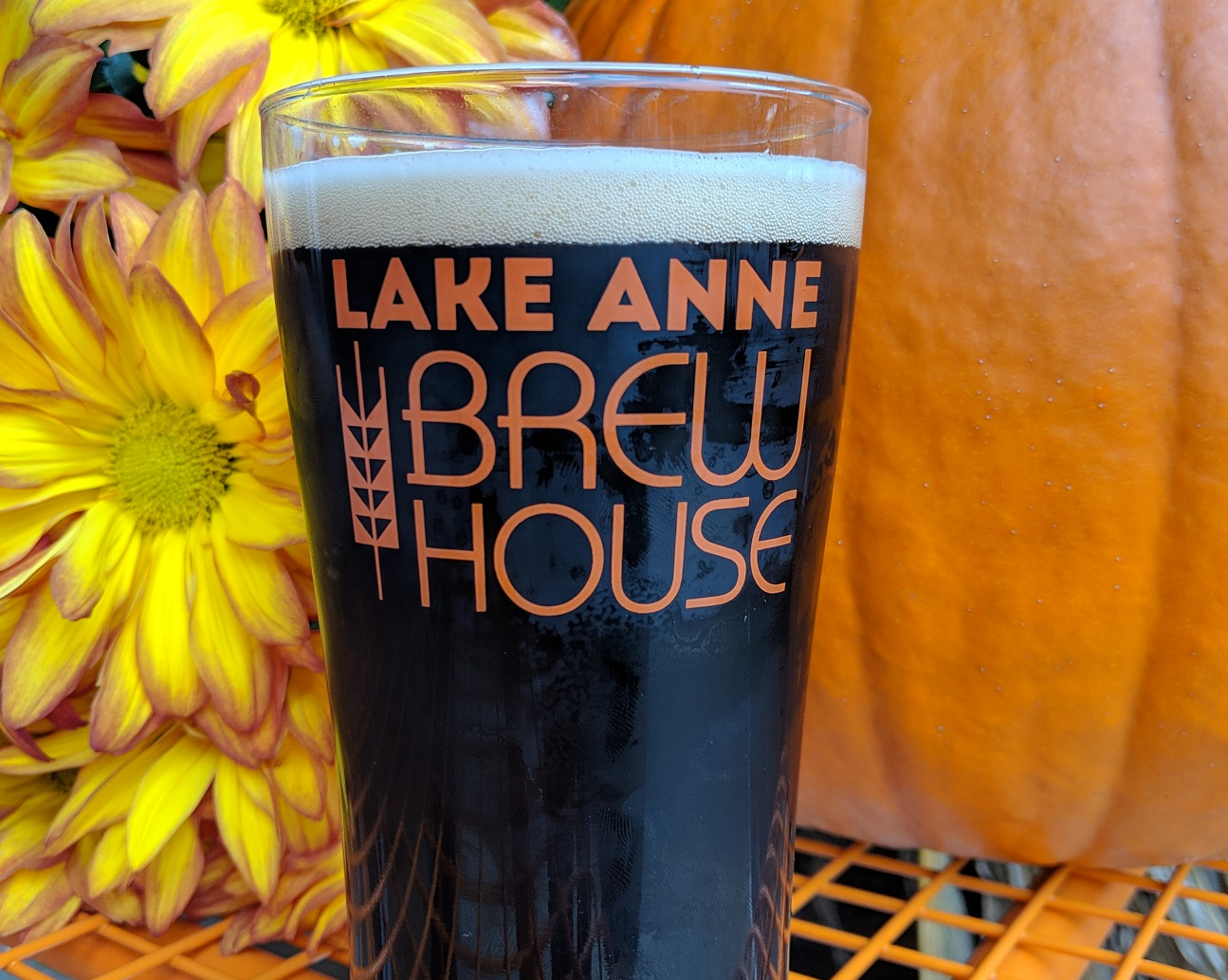 lake anna brew house pumpkin holiday craft beer