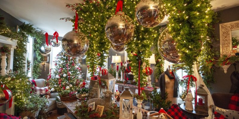 old lucketts store leesburg holiday decorations
