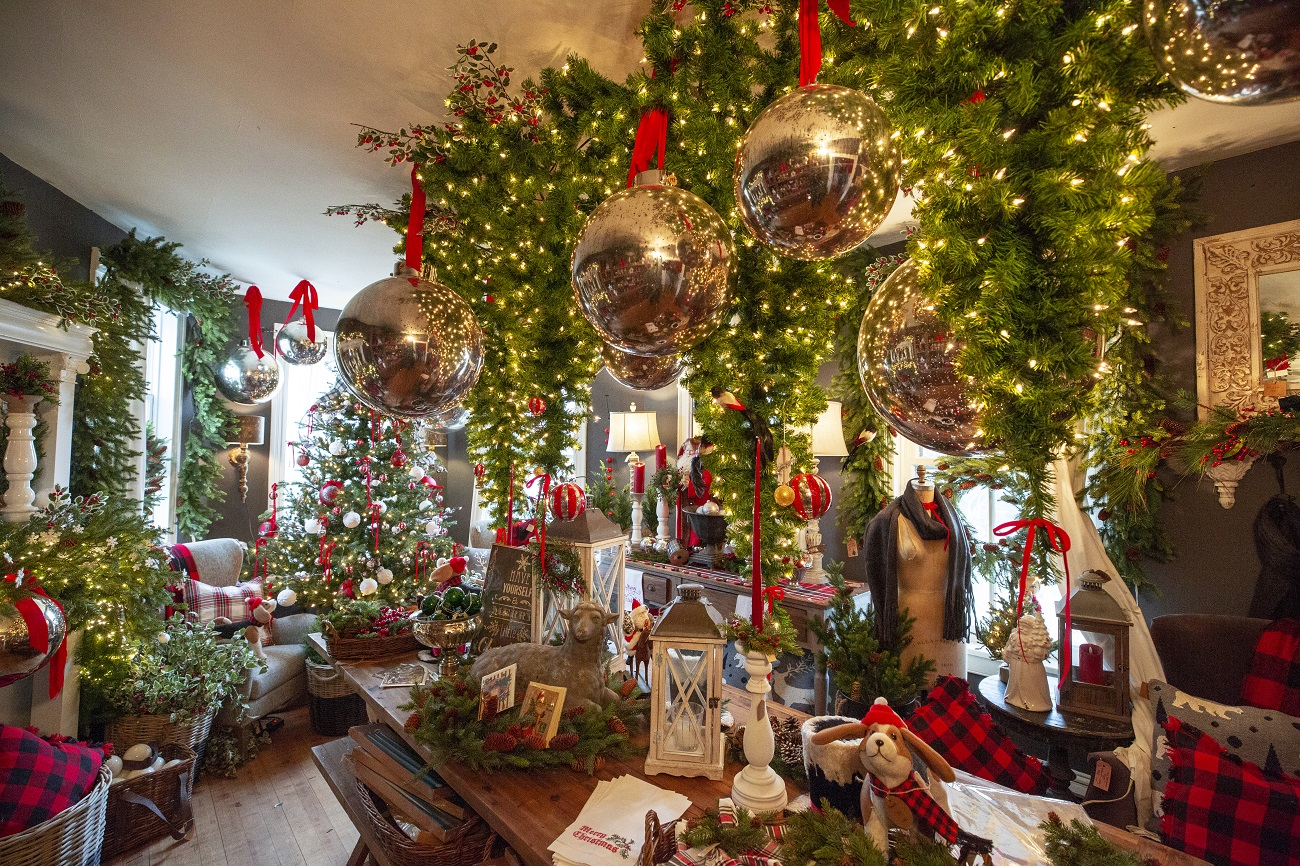Virginia S Most Over The Top Holiday Decorations Virginia S Travel Blog