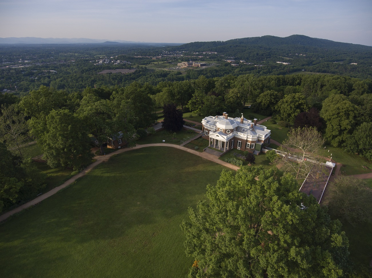 Monticello Charlottesville Travel Guide Cover 2019