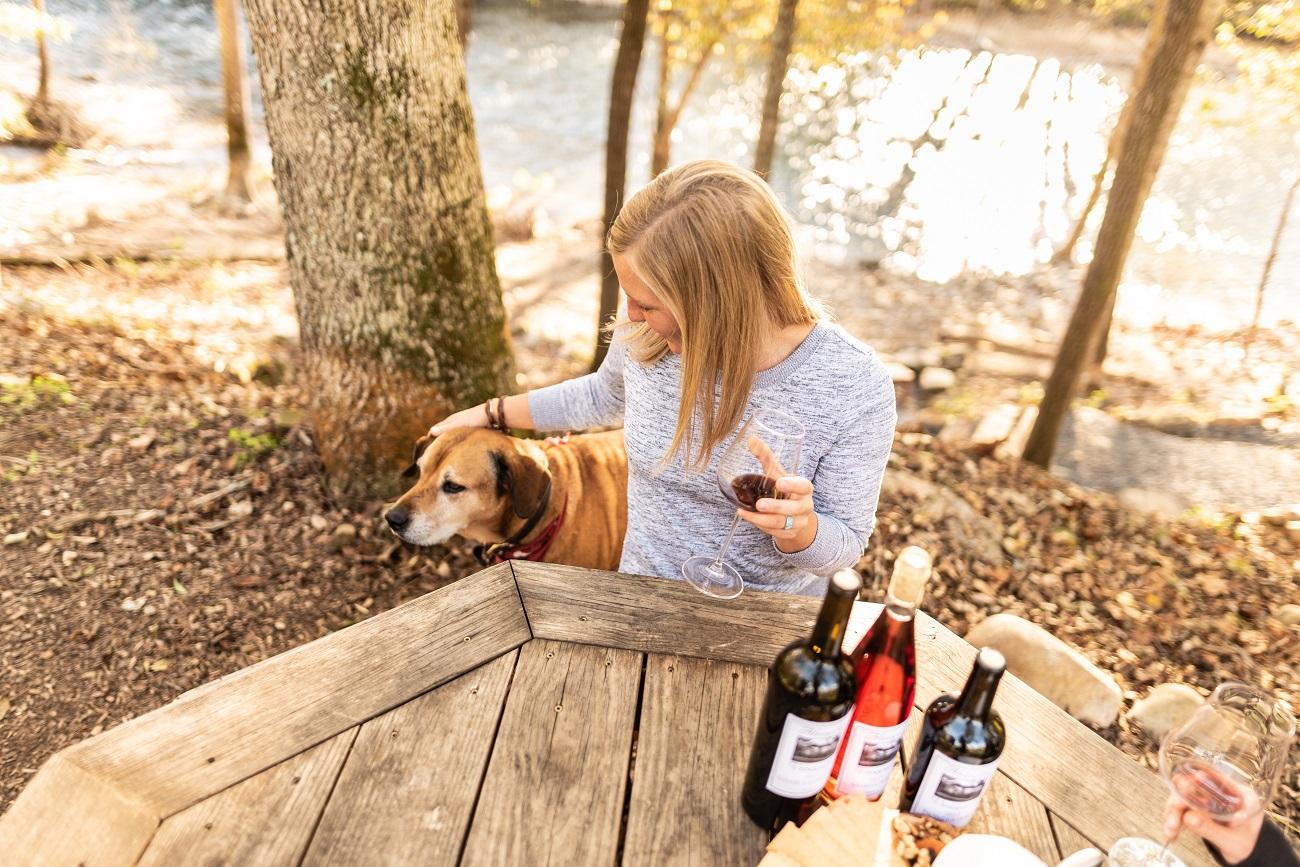 abingdon vineyards Eli the Winery Dog